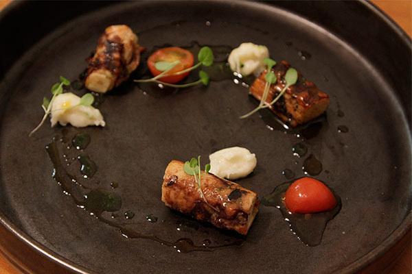 13-jantar-chivas18moment-convidados-Polvo-Grelhado-com-Pure-de-Limao-Tomate-Confit-e-Azeite-de-Estragao