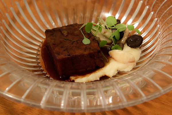 15-jantar-chivas18moment-Cupim-Defumado-com-Molho-Proprio-Assado-Mouseline-Trufado-e-Cogumelos