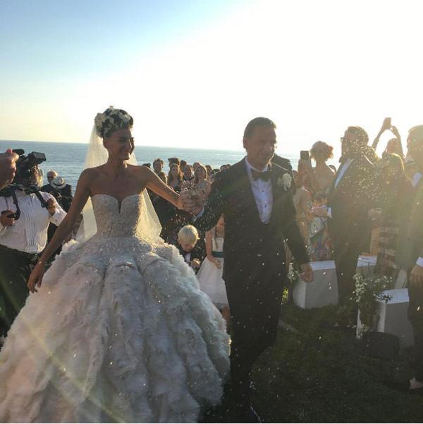 casamento-giovanna-battaglia-vestido-de-noiva-alexander-mcqueen-capri-05