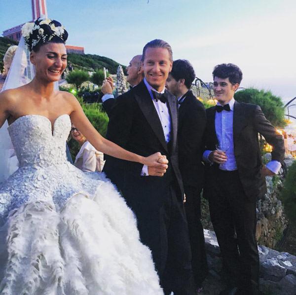 casamento-giovanna-battaglia-vestido-de-noiva-alexander-mcqueen-capri-11