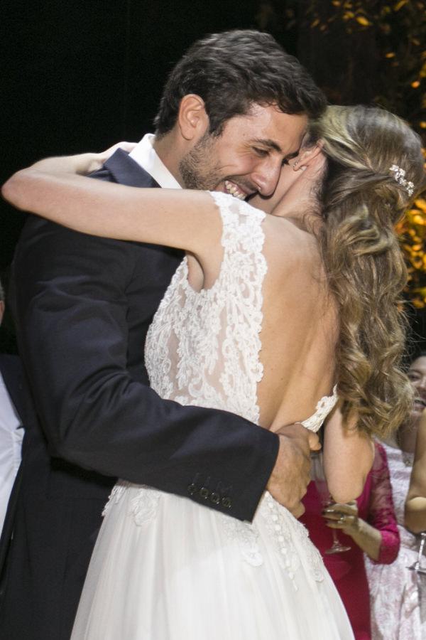 casamento-tati-pilao-fotos-anna-quast-ricky-arruda-vestido-noiva-wanda-borges-decoracao-lais-aguiar-2