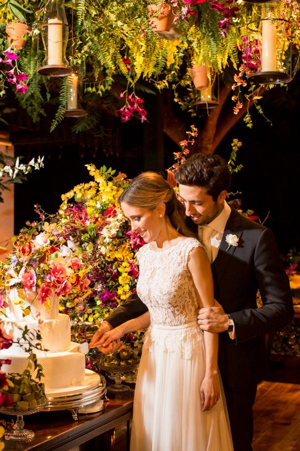 casamento-tati-pilao-fotos-anna-quast-ricky-arruda-vestido-noiva-wanda-borges-decoracao-lais-aguiar-3