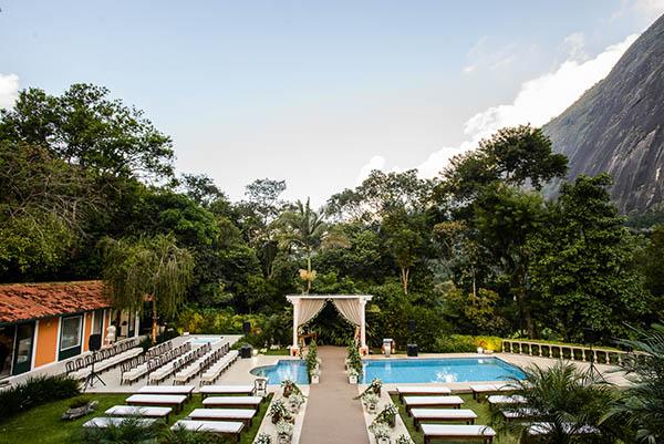 Casamento-Rio-de-Janeiro-Locanda-Roberto-Cohen-vestido-noiva-Julia Golldenzon-Andrea-e-Leo-1