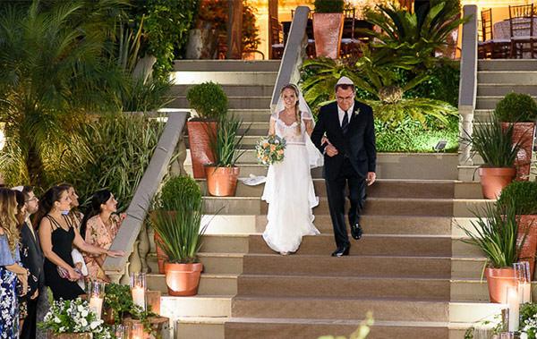 Casamento-Rio-de-Janeiro-Locanda-Roberto-Cohen-vestido-noiva-Julia-Golldenzon-Andrea-e-Leo-20