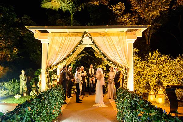 Casamento-Rio-de-Janeiro-Locanda-Roberto-Cohen-vestido-noiva-Julia Golldenzon-Andrea-e-Leo-25