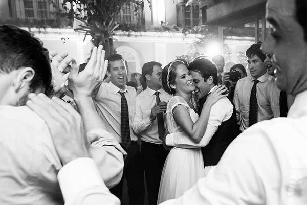 Casamento-Rio-de-Janeiro-Locanda-Roberto-Cohen-vestido-noiva-Julia Golldenzon-Andrea-e-Leo-29