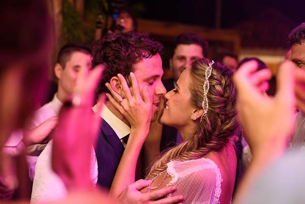 Casamento-Rio-de-Janeiro-Locanda-Roberto-Cohen-vestido-noiva-Julia Golldenzon-Andrea-e-Leo-30