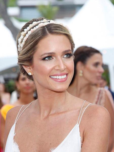 acessorio-cabeca-noiva-tiara-dupla-florzinhas-helena-bordon-penteado-casamento-01