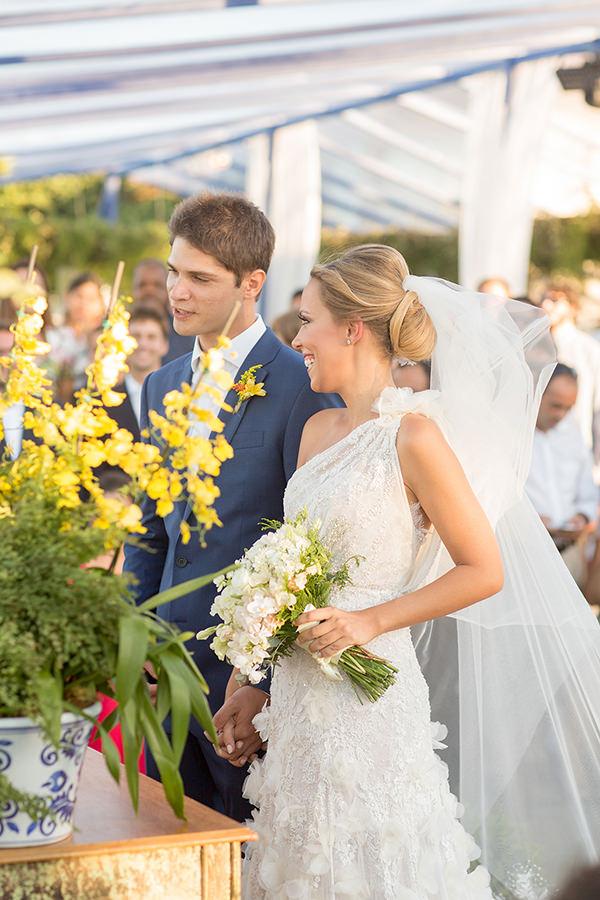 casamento-buzios-vestido-de-noiva-martu-lela-gjunior-villa-rasa-marina-paula-libano-9