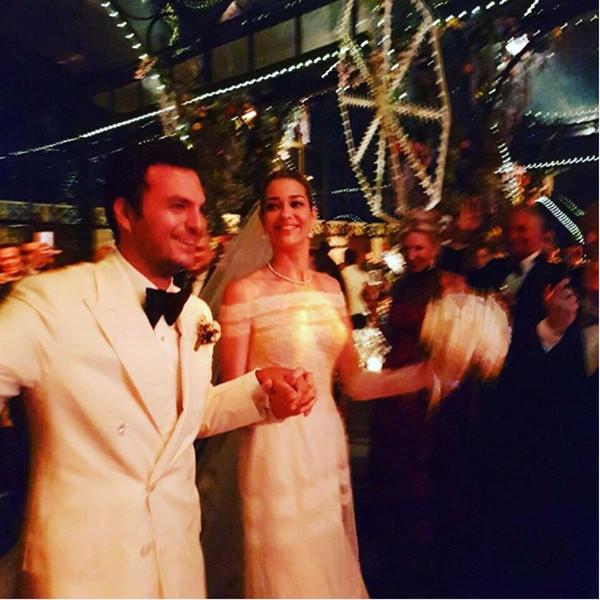 casamento-modelo-ana-beatriz-barros-vestido-de-noiva-valentino-05