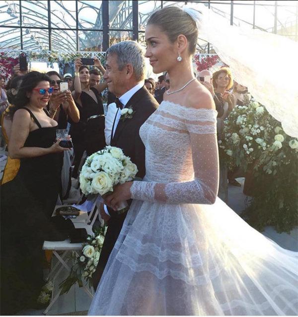 casamento-modelo-ana-beatriz-barros-vestido-de-noiva-valentino