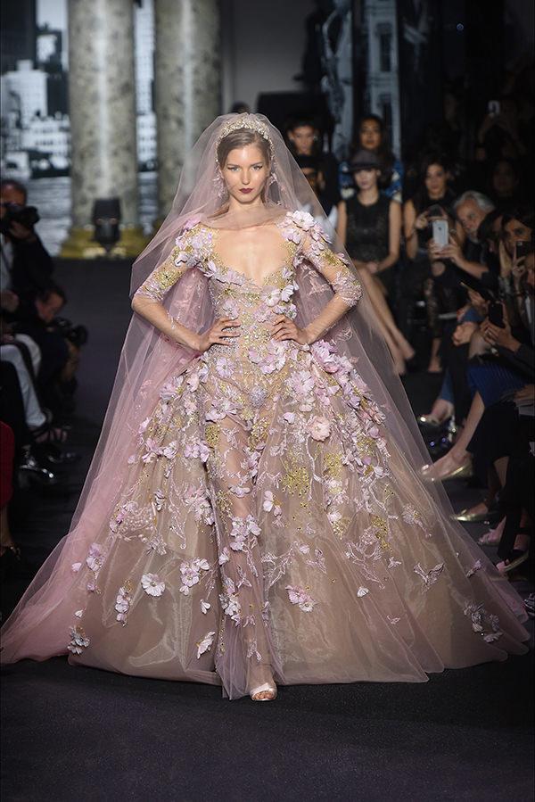 vestido-de-noiva-aplicacao-flores-3d-elie-saab