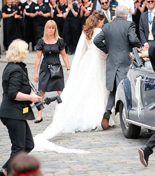 casamento-de-princesa-cleopatra-oettingen-spielberg-bavaria-alemanha-chegada-noiva-04