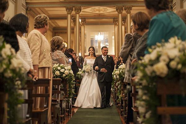 casamento-toda-de-branco-fotos-roberto-tamer-vestido-noiva-wanda-borges-1