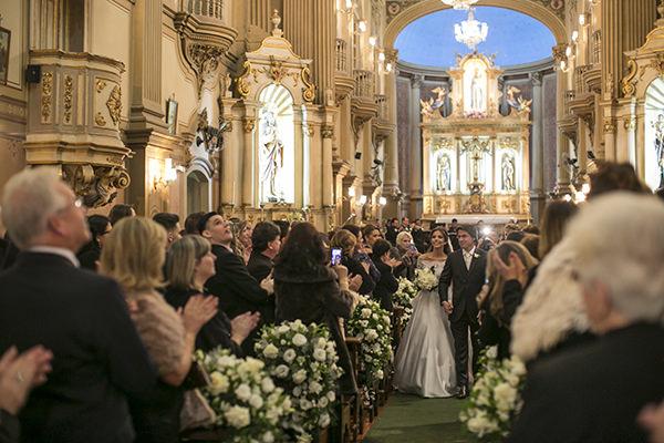 casamento-toda-de-branco-fotos-roberto-tamer-vestido-noiva-wanda-borges-11