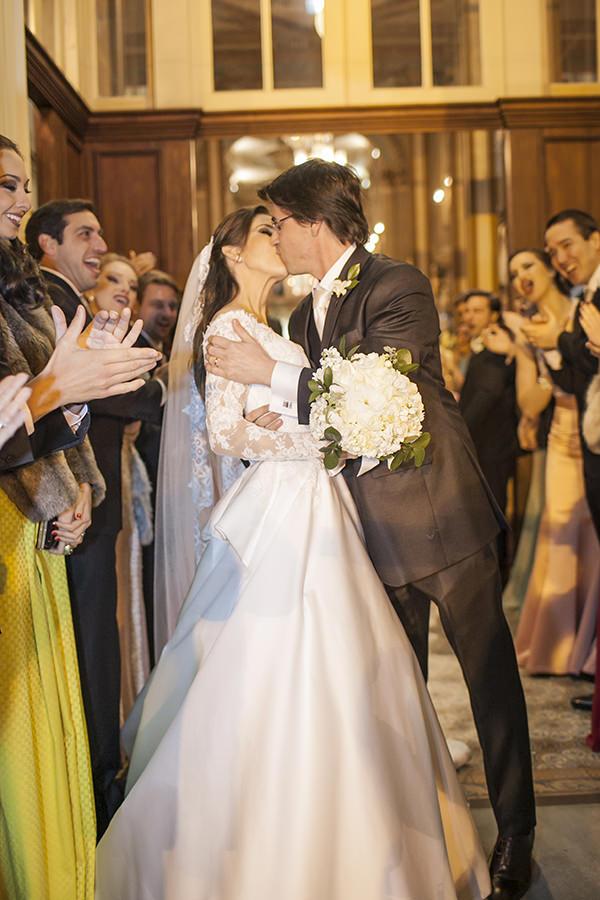 casamento-toda-de-branco-fotos-roberto-tamer-vestido-noiva-wanda-borges-12