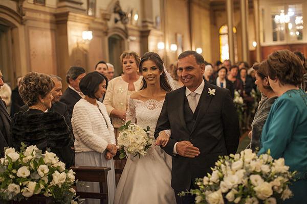 casamento-toda-de-branco-fotos-roberto-tamer-vestido-noiva-wanda-borges-2