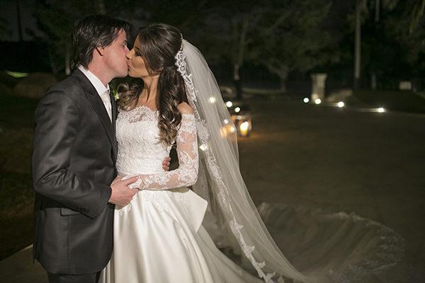 casamento-toda-de-branco-fotos-roberto-tamer-vestido-noiva-wanda-borges-28