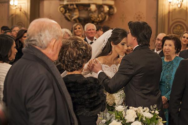casamento-toda-de-branco-fotos-roberto-tamer-vestido-noiva-wanda-borges-3