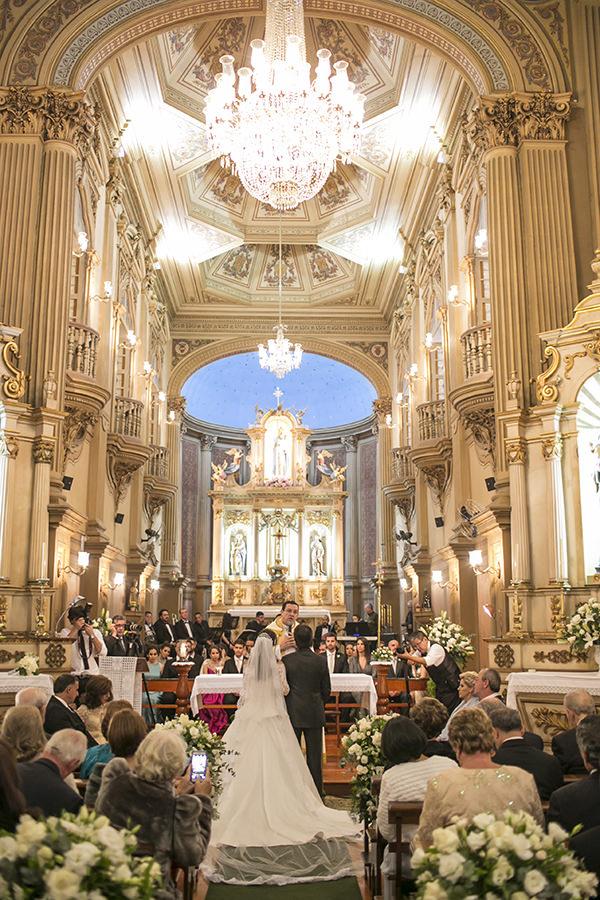 casamento-toda-de-branco-fotos-roberto-tamer-vestido-noiva-wanda-borges-5