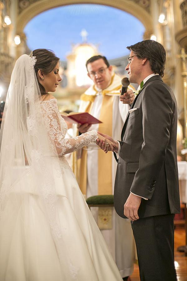 casamento-toda-de-branco-fotos-roberto-tamer-vestido-noiva-wanda-borges-7
