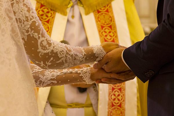casamento-beatriz-rodrigues-vestido-de-noiva-classico-wanda-borges-10