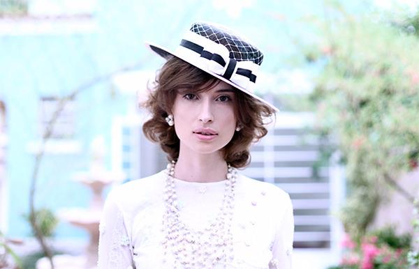 chapeu-convidada-de-casamento-canotier-preto-branco-graciella-starling01