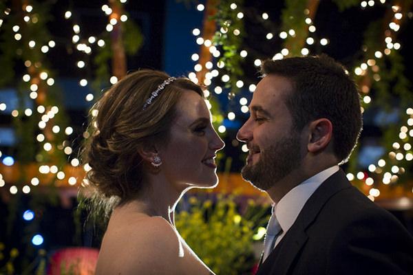 casamento-anna-quast-ricky-arruda-casa-petra-puntuale-whitehall-hora-do-buque-tais-puntel-32