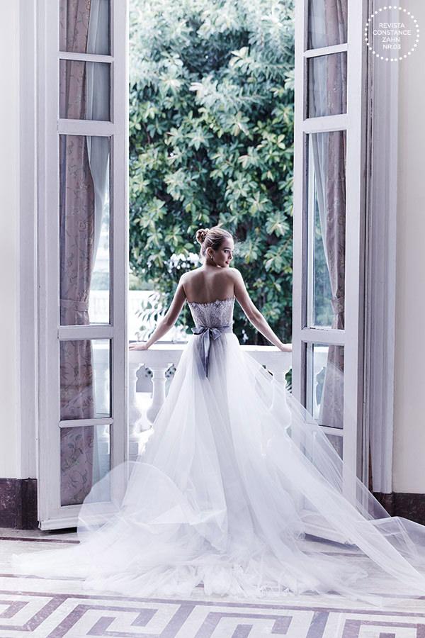 Vestido: Wanda Borges | Brincos: Cartier
