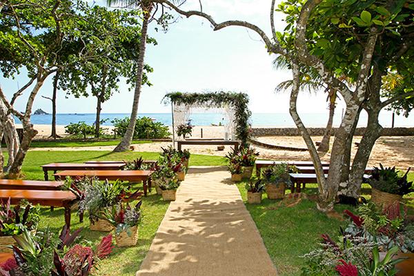 Decoração de casamento na praia na Reserva Tambá